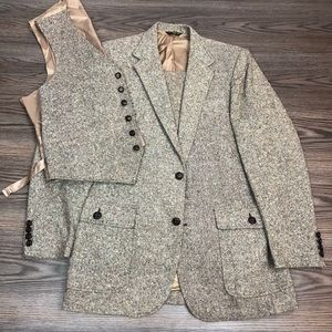 Other - Haggar Gallery Tan Donegal Tweed 3-Piece Suit 42L